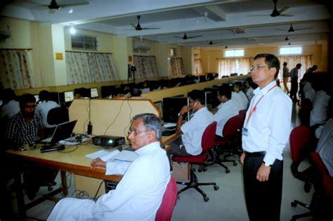 java tutorial by iit professors 187 students flock to iit mumbai s certified tutorial