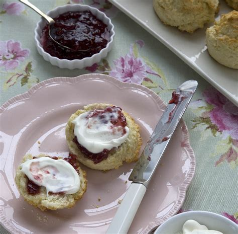 royal teas seasonal recipes 1909741337 the queen s favourite afternoon tea recipes good housekeeping