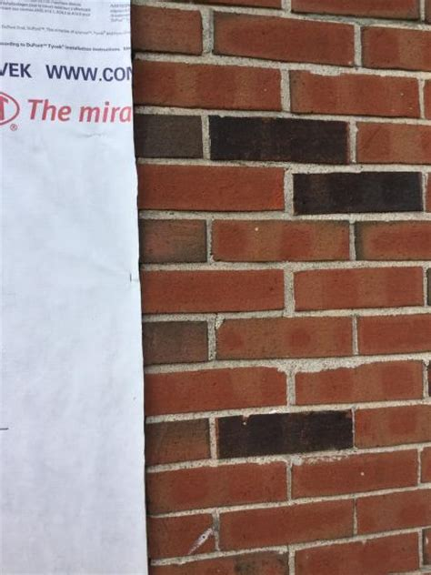 Which Is Better Brick Or Vinyl Siding - brick wall and vinyl siding doityourself community