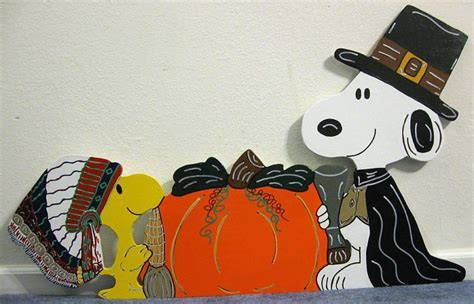 snoopy and woodstock pilgrim thanksgiving yard art