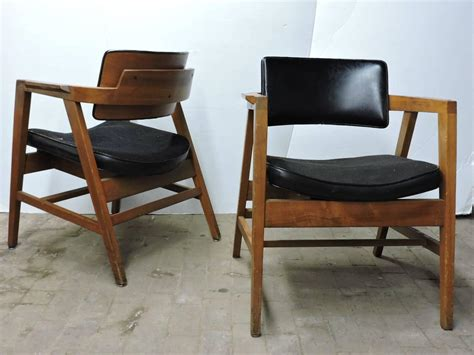 20th century modern furniture mid 20th century american modern lounge chairs by gunlocke