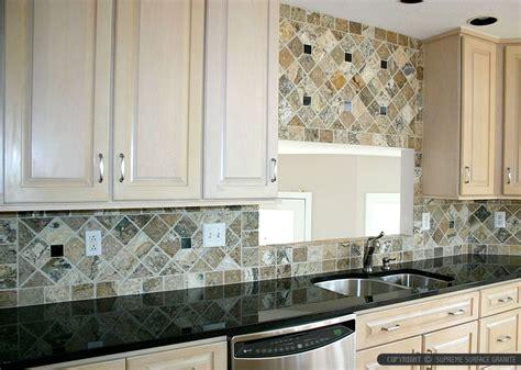 kitchen counter and glass backsplash black countertop backsplash ideas backsplash