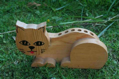 wooden pencil holder plans cat pencil holder made of wood wooden desk tidy