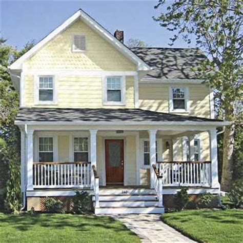 houses with yellow siding 25 best ideas about yellow house exterior on pinterest