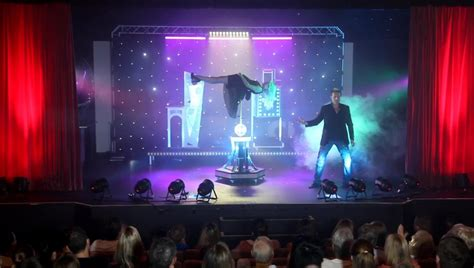 matt hollywood magic show australian entertainer   year