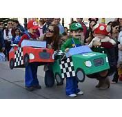 Los Peque&241os Dan La Bienvenida Al Carnaval En Una Fiesta