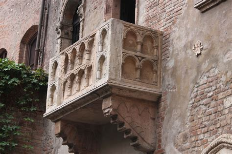 balcony theme romeo and juliet learning by doing arts english for young students 4 29