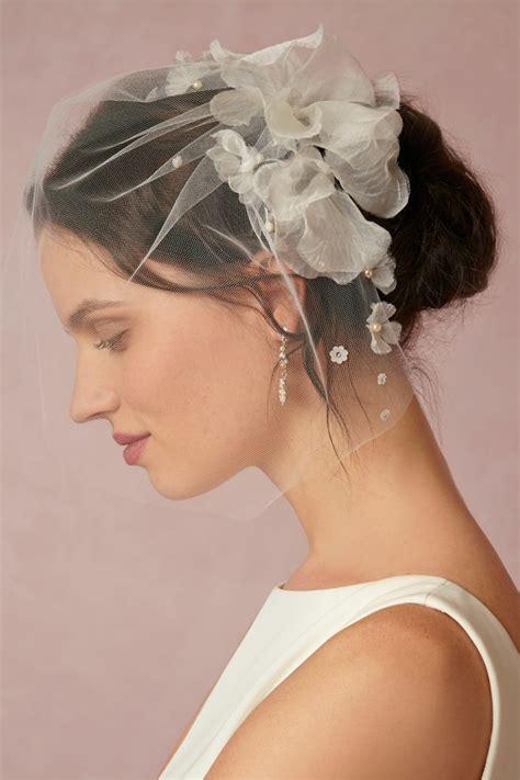 Schlichte Brautfrisuren by 34 Beispiele F 252 R Zeitlose Brautfrisuren Mit Schleier