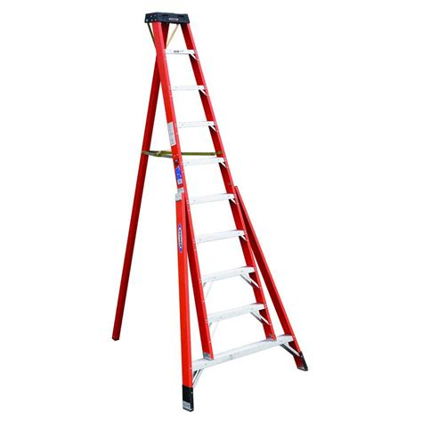 werner 10 ft fiberglass tripod step ladder with 300 lb
