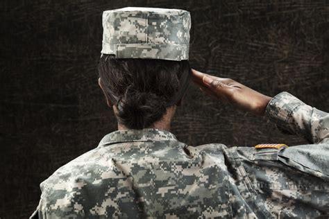 female dreadlocks in navy female marines are finally allowed to wear dreadlocks and