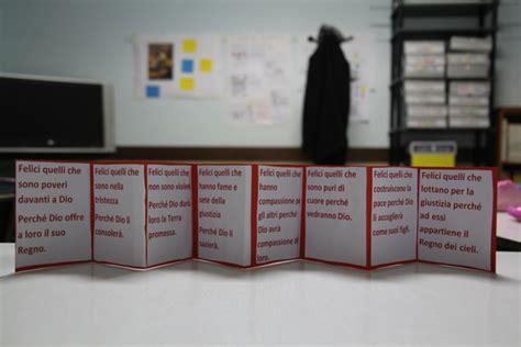 beatitudini testo un leporello per le beatitudini e un libro a scuola con