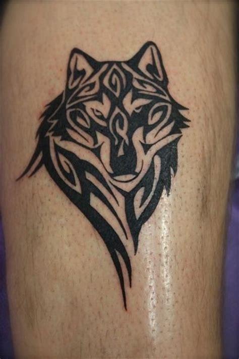 tattoo tribal op been 25 beste idee 235 n over tribal wolf tatoeages op pinterest