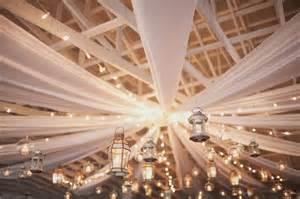 decoration plafond mariage drap j ai dit oui