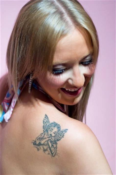 tato di dada kren gambar tato keren blog bintang tattoo design bild