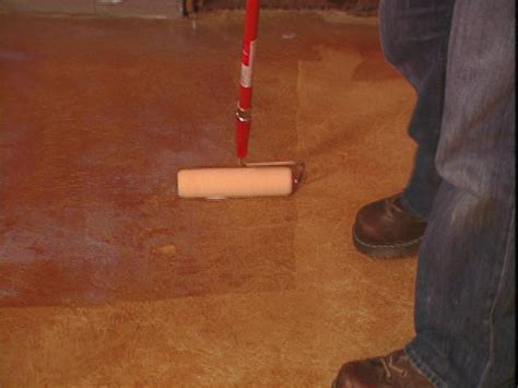 How To Stain A Concrete Floor by How To Add Acid Stain To A Concrete Floor How Tos Diy
