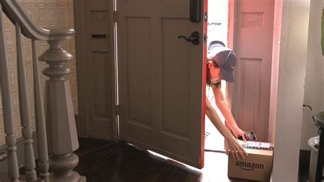 Amazon Key | amazon key doorstep delivery service introduced in usa