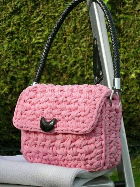 Rajut Minni Ribbon chanel crochet and diy and crafts on