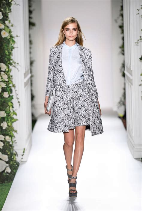 Snaps For Catwalk by Lfw Mulberry S Tea The Snap Edit