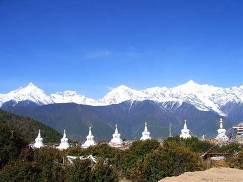 tibetan mountain holy mountain hikes in tibet pilgrimages tibet insider