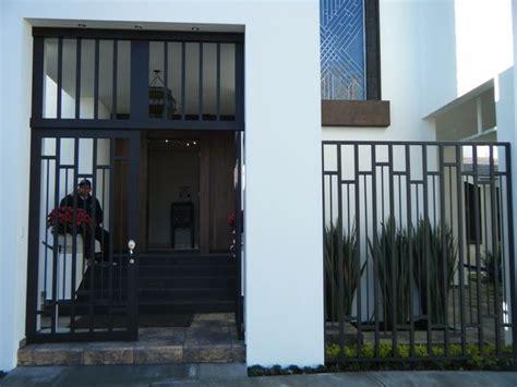 enrejado para fachadas m 225 s de 17 im 225 genes excelentes sobre fachadas de casa en