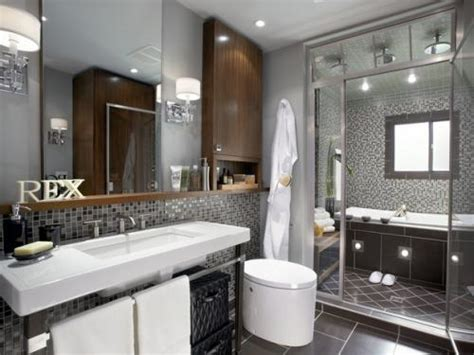 enclosed bathtubs need ideas for renovating my bathroom