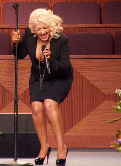 celebrity gists christina aguilera   cleavage baring