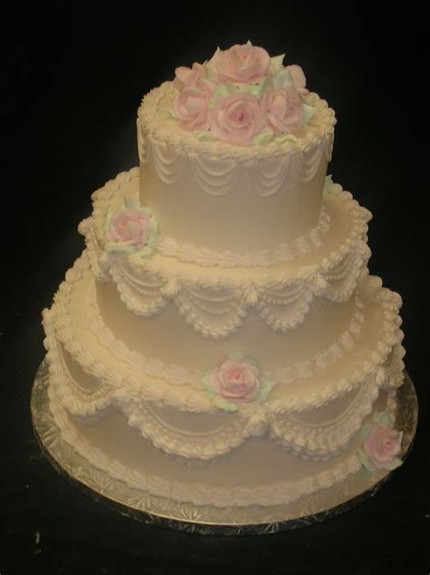 buttercream wedding cake ideas idea   bella wedding