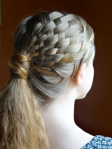 maedchen haare flechten