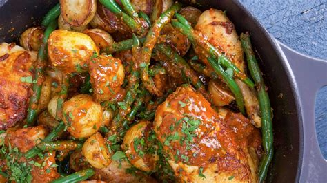 rachaels spicy honey mustard chicken  potatoes  green beans rachael ray show