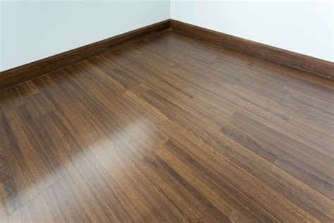 how many types of laminate flooring are there in singapore