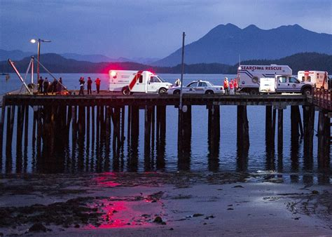 boat sinking vancouver island whale watching boat sinks off vancouver island in british