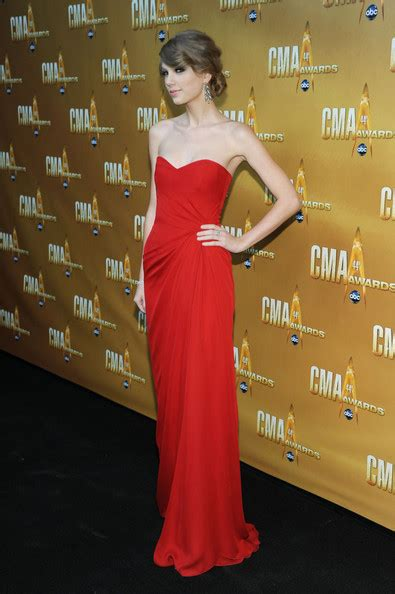 taylor swift evening dress more pics of taylor swift evening dress 1 of 11