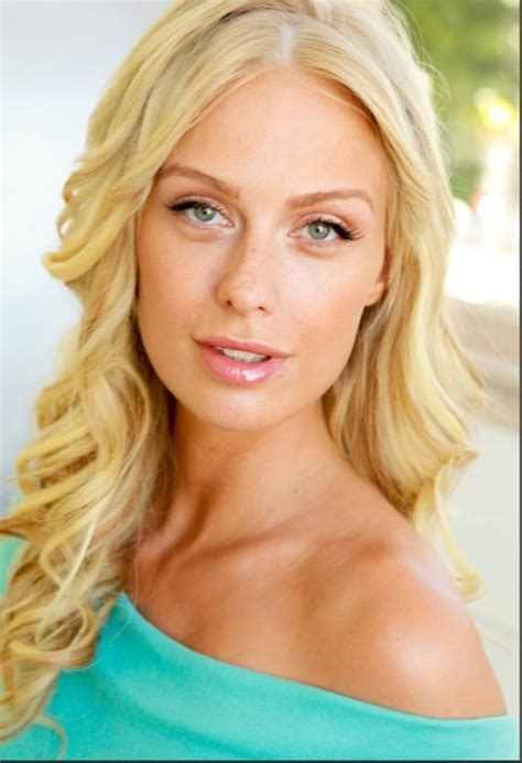 carbonite commercial actress blonde who is the actress in the stelara commercial