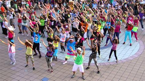 tutorial dance flash mob oki flash mob lmfao party rock anthem youtube