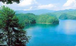 Treehouse Rental Nc - lakefront vacation cabin for rent on lake nantahala private dock macon county nc
