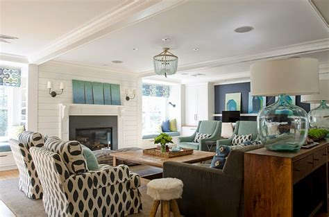 decorate  living room  turquoise accents