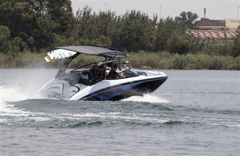 yamaha boats reviews boat review yamaha 242x e series leisure boating
