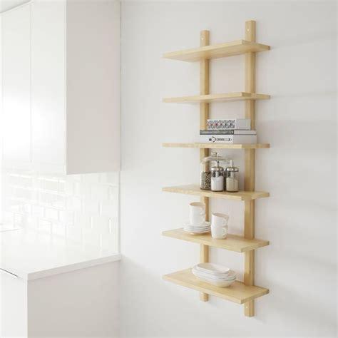 Merveilleux Etagere Murale Ikea Cuisine #2: creer-une-touche-de-bois-sur-un-mur-blanc-dans-la-cuisine_5601773.jpg