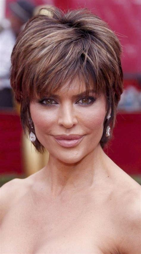 fixing lisa rinna hair style 590 best images about me on pinterest chin length bob