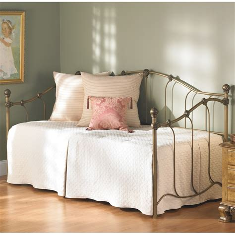 Daybed With Pop Up Trundle Bed Upholstered Daybed With Pop Up Trundle Decorate My House