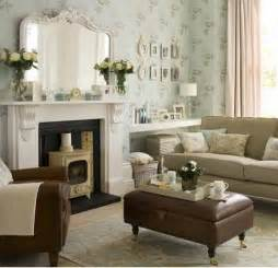 Decorating A Living Room by Tips House Decorating With Small Space Living Room