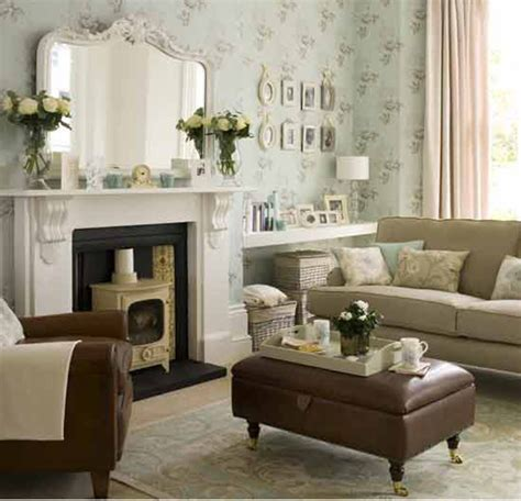 Decorating A Small Living Room Space by Tips House Decorating With Small Space Living Room