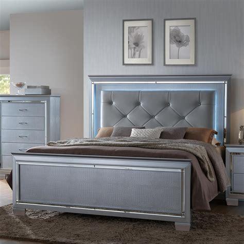 crown mark lillian queen headboard  footboard bed