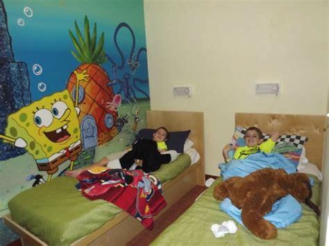 room nick nickelodeon hotel spongebob room www imgkid the image kid has it