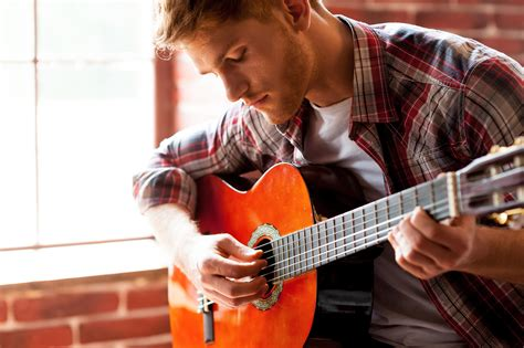 Who Is The Guitar Playing Guy In The Eliquis Commercials | you ve got a friend 100115 lifevolumeone