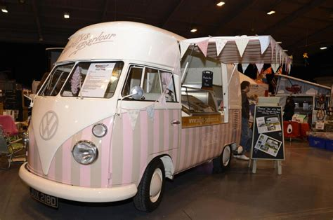 pollys parlour vintage vw splitscreen ice cream van hire cer mart returns to telford this january vwt2oc