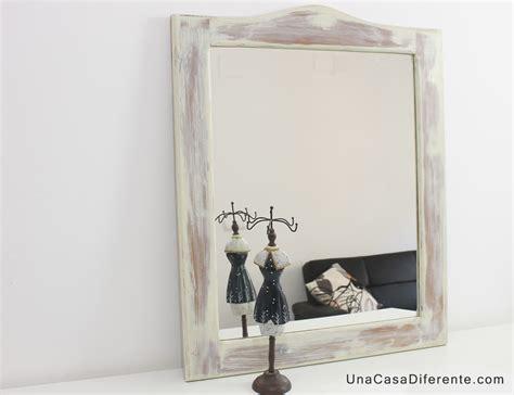 decorar espejo blanco pintar marco madera espejo blanco envejecido actualizar