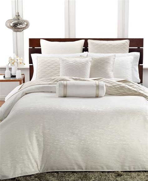 hotel bed comforter 25 best ideas about ivory bedding on pinterest ivory
