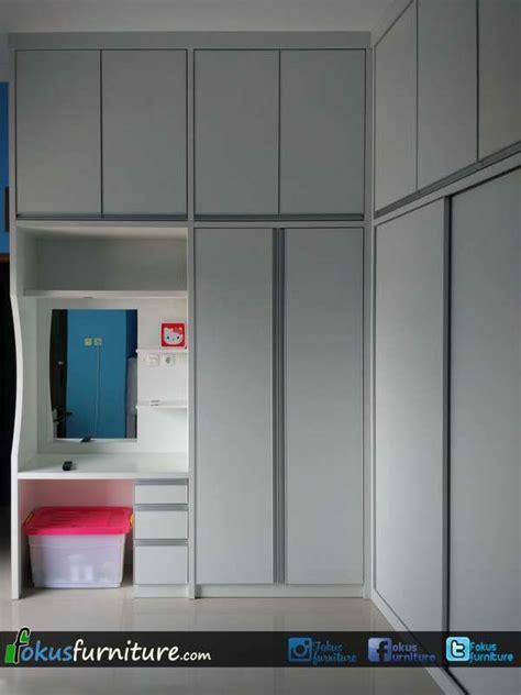 desain lemari pakaian nempel di dinding 25 ide terbaik lemari dinding di pinterest kamar tidur