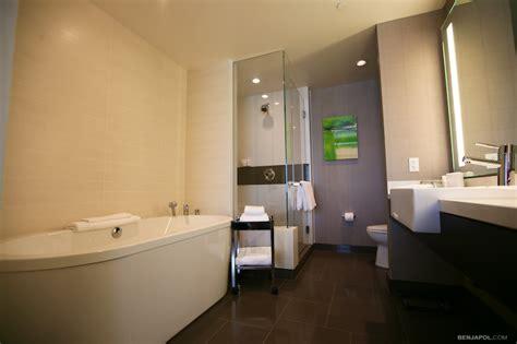 bathtub refinishing las vegas vdara bathroom